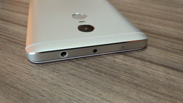 7-Xiaomi-Redmi-Note-4-hands-on-picture.jpg