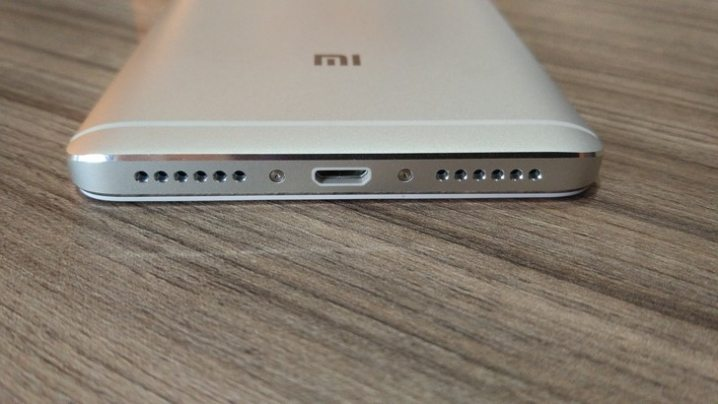5-Xiaomi-Redmi-Note-4-hands-on-picture.jpg