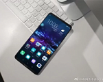 В сети появилось изображение передней панели смартфона Honor Note 10
